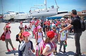 Education: School excursion in Marina Frapa